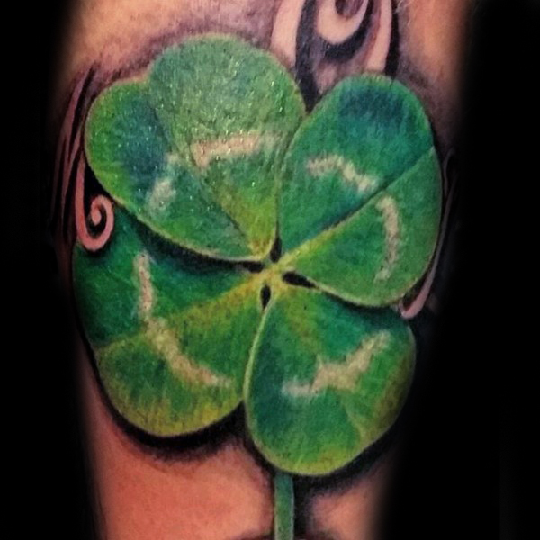 23 Four Leaf Clover Tattoos With Religious And Lucky Meanings