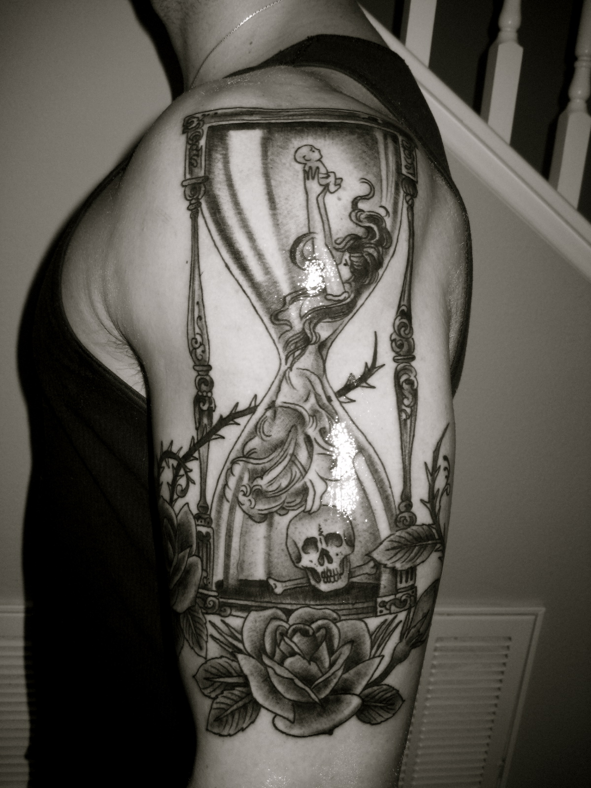 Hourglass tattoos and meanings