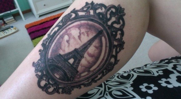 eiffel-tower-in-mirror-frame-tattoo-on-leg