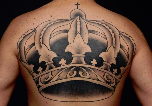 23 king crown tattoos with glorious meanings tattoos win rh tattooswin com King Crown Drawing King Crown Sketch