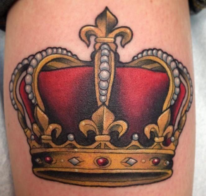 23 king crown tattoos with glorious meanings tattoos win rh tattooswin com king crown tattoo drawing king crown tattoo designs