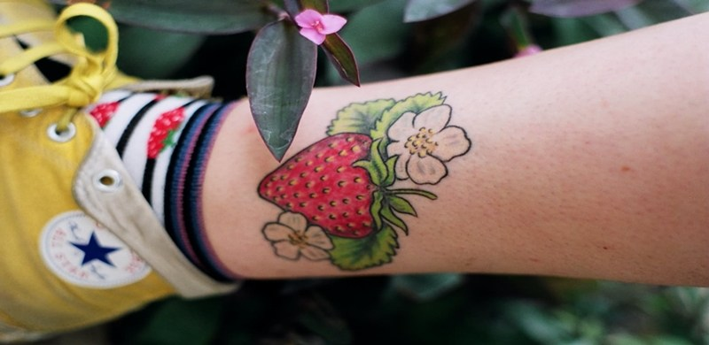 f8f1ad185ce97 If you are looking for a unique and creative tattoo design that has a huge  variety of sweet meanings, you might want to consider getting strawberry  tattoos.