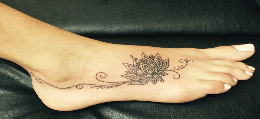 Foot <b>Tattoos for Women</b> – The Growing Popularity and Unique ...