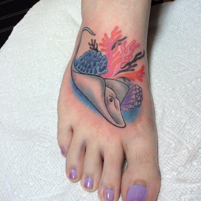 Stingray Tattoo in leg