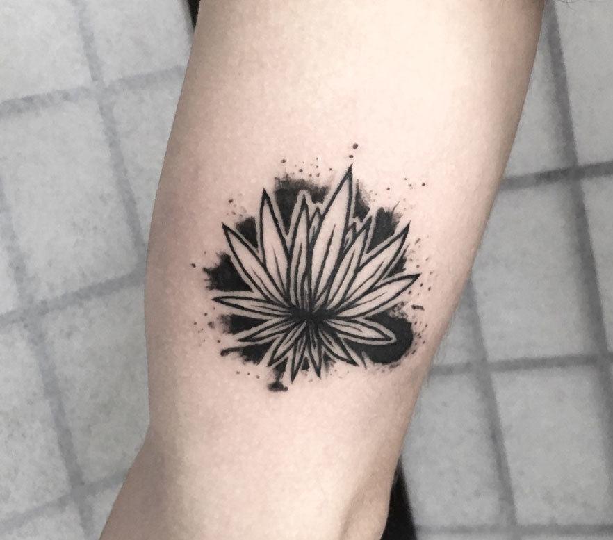 Minimalist Agave Tattoo.