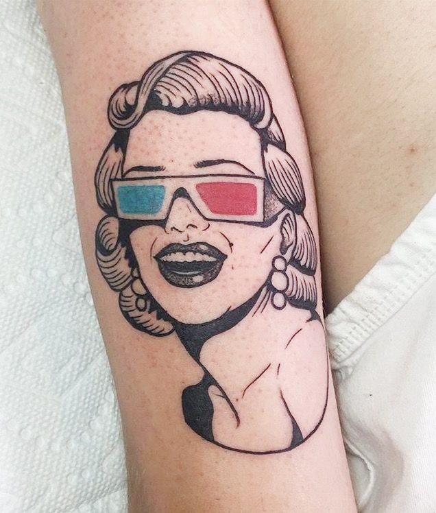 3D Red & Blue line tattoo for women